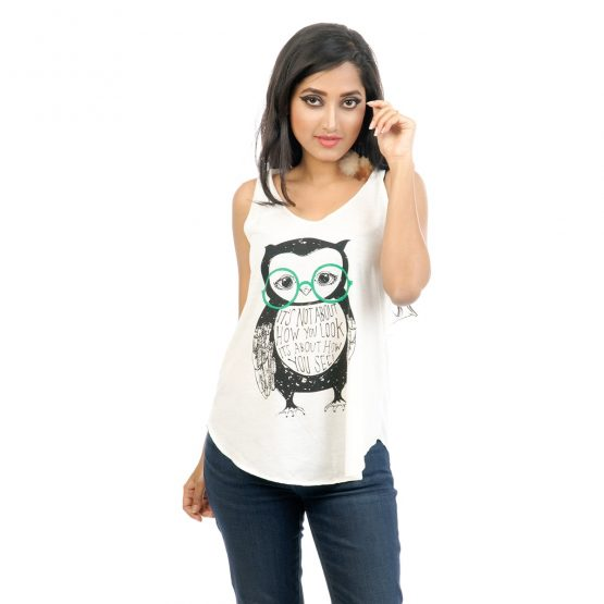 "T-shirt with ""Spectacle Owl Art"" transfer print."