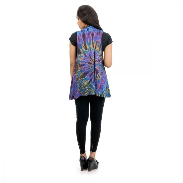 Tie & dye, Lounge fit in sleeveless shrug with multicolor color