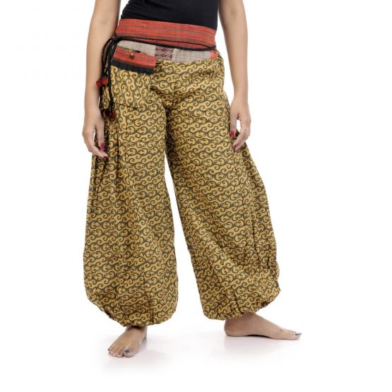 Harem pants and trousers in block print, with yellow color