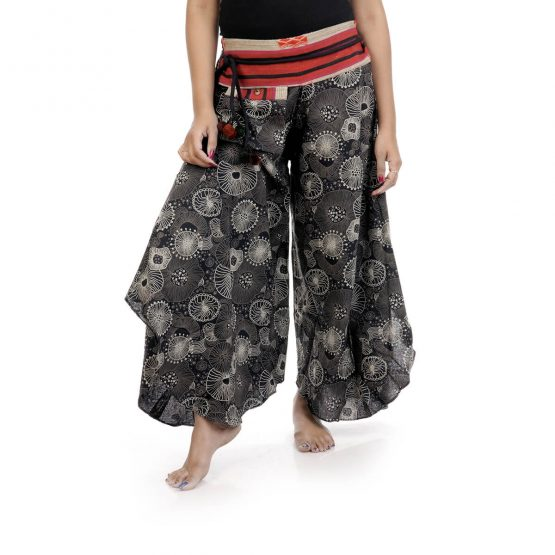 Bell leg palazzo pants with black and white color