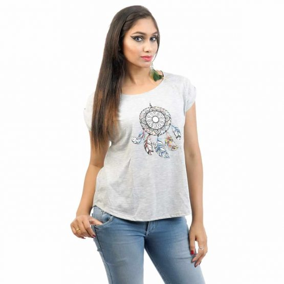 Extended sleeve women's t-shirt with small dream catcher print.